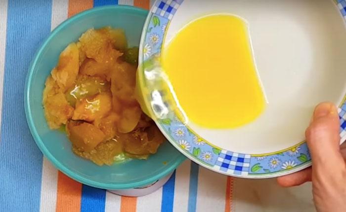 яблочное пюре с апельсиновым соком