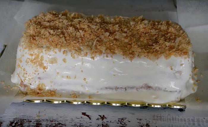 обсыпка боков торта крошкой