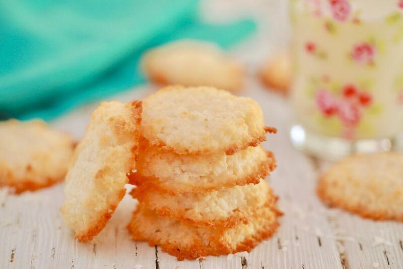 Кокосовое печенье нежное с хрустящей корочкой