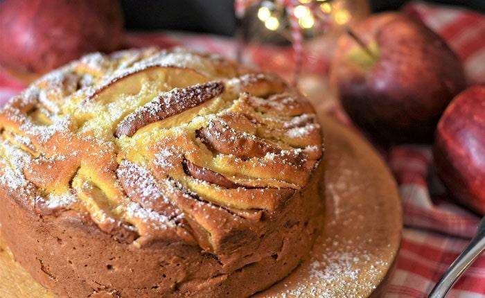 Пирог с яблоками на кефире без дрожжей